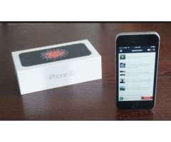 Iphone SE 64 GB B/.450.00