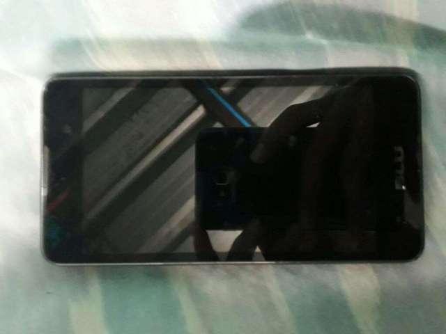 Vendo Celular Blu Dash M