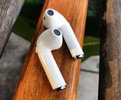 Audífonos Bluetooth Tipo Airpods Nuevo Sellado En Caja en OFERTA