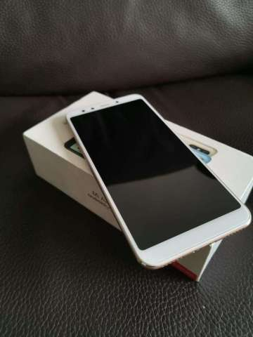 Xiaomi Mi A2  120gb  6 Ram  Accesorio