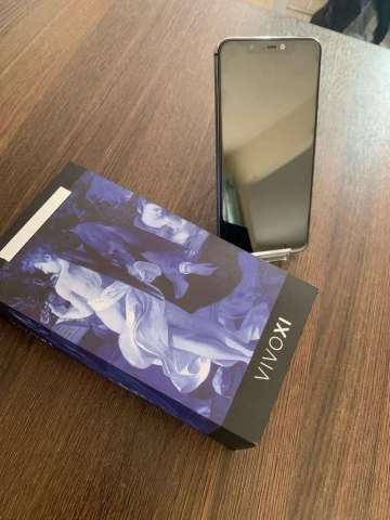 Celular Blu Vivo XI