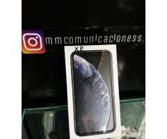 Black iPhone Xr 64 Gb